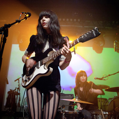 DUM DUM GIRLS LIVE MACHINE DU MOULIN ROUGE 2011