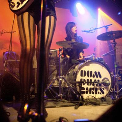 DUM DUM GIRLS LIVE MACHINE DU MOULIN ROUGE 2011
