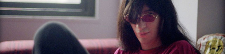 JOEY RAMONE : L'ALBUM POSTHUME YA KNOW? EN ECOUTE EN AVANT-PREMIERE