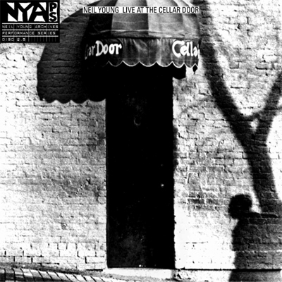 NEIL YOUNG POCHETTE ALBUM LIVE AT THE CELLAR DOOR