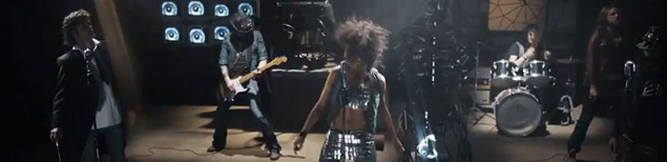 BERTRAND CANTAT FAIT SON RETOUR EN VIDEO AVEC SHAKA PONK