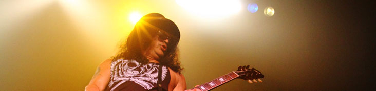 SLASH  @ LE BATACLAN 2010