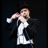 THE HIVES LIVE REPORT