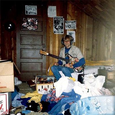 kurt_cobain_guitare_maison