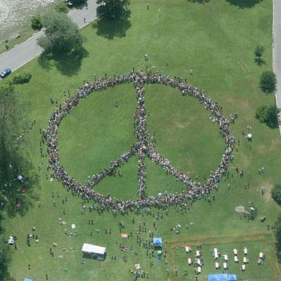 human_peace_sign_new_york_2008