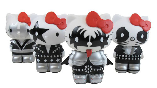 kiss_hello_kitty