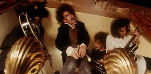 robert_smith_the_cure_1