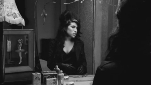 amy_winehouse_arrest_2008_1