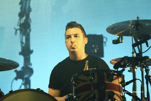arctic_monkeys_drummer_bionic