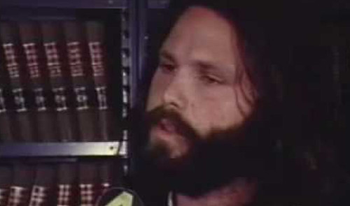 jim_morrison_arrestation_plane_1
