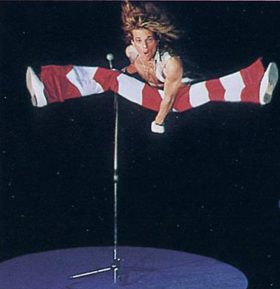van_halen_david_lee_roth_broken_foot